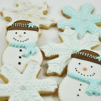 Winter Wonderland  Snowflake and frosty the snowman Christmas Cookies - 1/2 Dozen - cute decorated holiday iced sugar cookies -