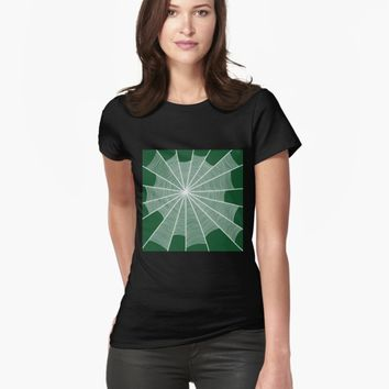'The spider's house' T-shirt by VibrantVibe