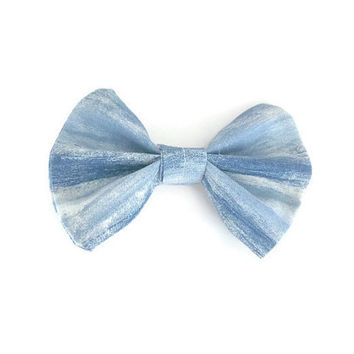 Pastel Blue and White Hair Bow | hair clip | hairbow | hairbows | hair accessories | hair clip for girls | alligator clip | hairpiece