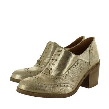 Women`s block heeled brogue