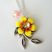 Flower Pendant Necklace With Pearl .. on Luulla