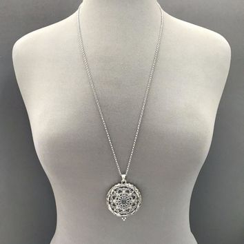 Long Silver Finished Chain Magnifying Glass Mandala   Flower  Pendant Necklace