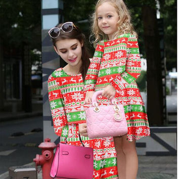 Family Matching Outfits2016 autumn new girl children 's clothes Christmas equipment cartoon print round neck dress