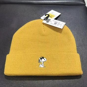 Vans Trending Women Men Snoopy Cartoon Embroider Warm Knit Hat Cap
