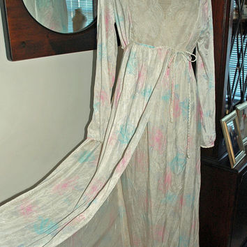 Vintage 1960s Gilead Peignoir Set / Womens Size Medium / White Blue & Pink Floral Pattern / nightgown and robe