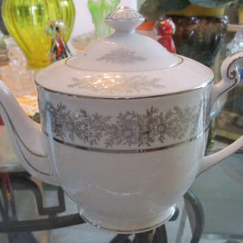 Vintage Seyei Fine China, Brilliant pattern 3208 Made in Japan, Teapot, Silver and White, PLATINUM