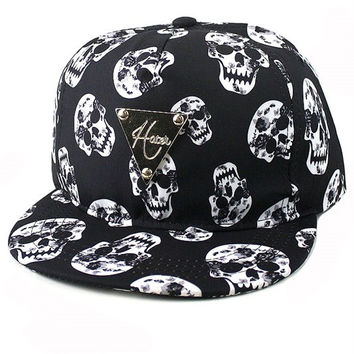 + Skull Print Snapback Adjustable unisex Cap In Black White