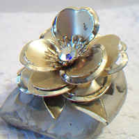 Vintage Flower Brooch Pin Aurora Borealis Floral Gold Tone Costume Jewelry Fashion Accessories For Her