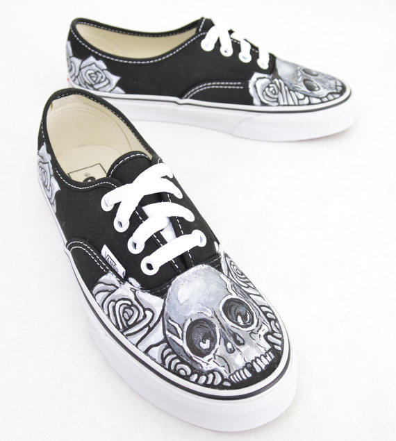 Black And White Skull Rose On From B Street Shoes