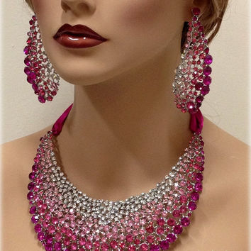 the gallery for gt hot pink necklace and earring set
