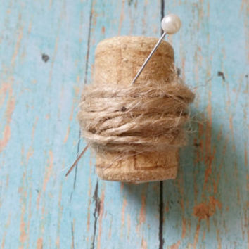 Cork Boutonniere / Jute Boutonniere / Winery Wedding / Affordable Wedding / Rustic Wedding / Burlap Boutonniere / Father of the Bride