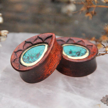Blood wood teardrops with leaf carvings and senora sunset set in brass
