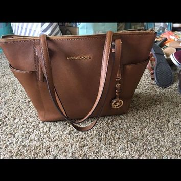 Michael Kors Jet Set Medium Pocketed Top Zip Tote Bag