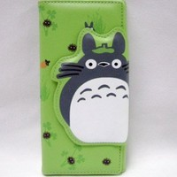 Totoro: Green Totoro Clasp and Clutch Wallet