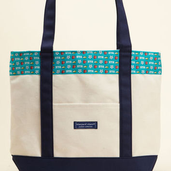 Sorority Collection:Zeta Tau Alpha Classic Tote for Women - Vineyard Vines