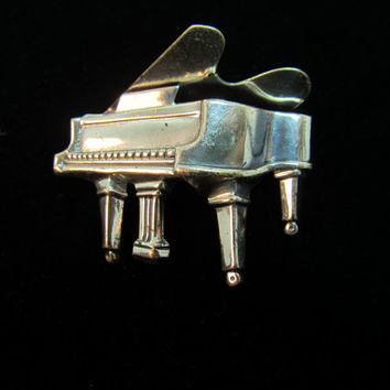 BEAU Sterling Piano Pin