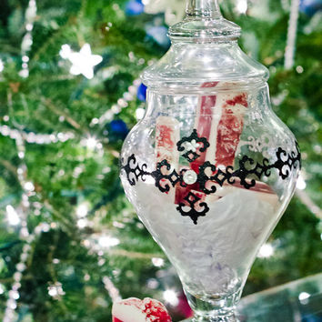 Christmas Apothecary Jar with Loaf of Yule Log Peppermint Bark Soap; Natural Glycerin, Red and White Gifts; Soap in Bulk, Christmas Presents
