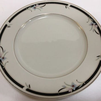 Sango Japan Mansfield Regency Collection Fine Ivory China 4 Dinner Plates 10 7/8