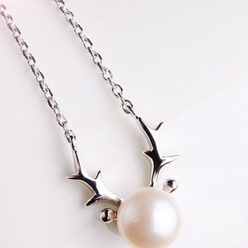 925 sterling silver pearl elk necklace,cute sweet elk necklace,a perfect gift ,a Christmas gifts