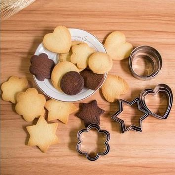 Hot 5PCS/Set Round/Heart/Flower/Star Shape Cookie Cutter Stamp New Year Decoration Cake Tools Biscuit Mold Christmas Cutter