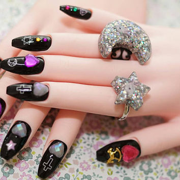 Coffin nails, Sailor, Moon, nails, black nails, long nails, goth nails, Harajuku, coffin shape nails, trendy nails, 2017 nail art,