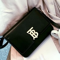 Free shipping-Burberry letter lock messenger bag shoulder slung simple small square bag