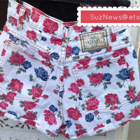 Vtg 90's Floral Grunge High Waisted Shorts Roses Super Cute Hipster Chick // SuzNews Etsy Store//