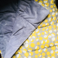 "Modern Yellow Adult Weighted Blanket (40""x70"")"