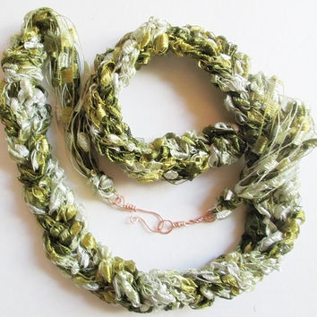 Ribbon Yarn Necklace, Trellis Yarn Necklace, Ladder Yarn Necklace, Green And White