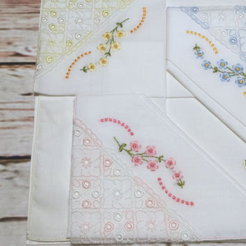 Three Handkerchiefs Embroidered with Flowers . Vintage Cotton Ladies Hankie . White Cotton Handkerchief Embroidered .