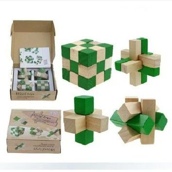4PCS/LOT Green 2 Color Toys Classic IQ 3D Wooden Interlocking Burr Puzzles Mind Brain Teaser Game Toy for Adults Children