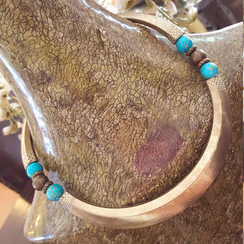 Vintage ethnic bohemian style choker with turquoise beads necklace.