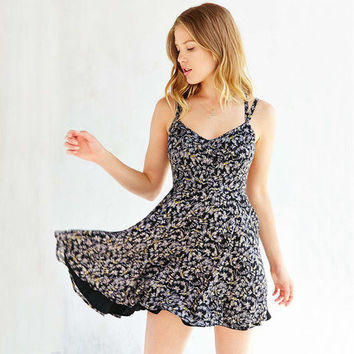 Sexy Fashion Fresh floral sexy halter back cross straps slim waist chiffon one piece dress