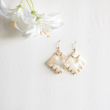 Sea Shell earrings beach wedding - boho beach - outdoor wedding- wedding jewelry - summer earrings - beach earrings - wire wrap earrings