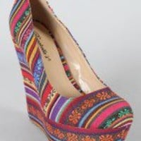 Breckelle Cilo-05 Tribal Print Almond Toe Wedge