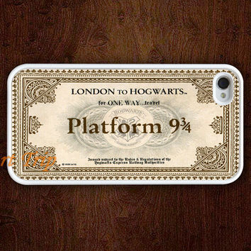 iPhone 4 Case iphone 4s case  Hogwarts Express Train by ArtTrip
