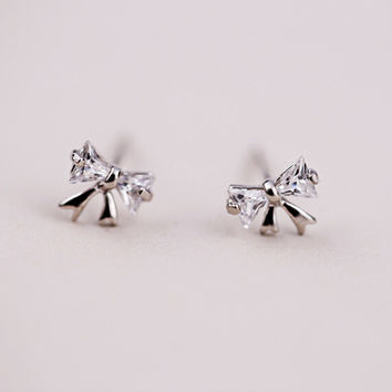 925 sterling silver Zircon bowknot earrings,Personalized fashion earrings,simple silver earrings,a dainty gift