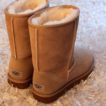 UGG Woman Men Fashion Wool Snow Boots-3