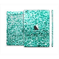 The Tiffany Green Glimmer Skin Set for the Apple iPad Mini 4