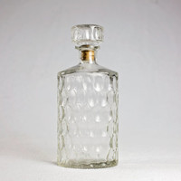 liquor decanter / vintage glass deanter / whiskey decanter / bourbon decanter / brandy decanter / vodka decanter