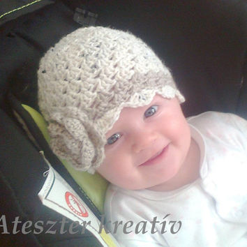 Baby Girl Crochet Hat, Baby Girl Beanie with Baby shoes made in beige and walnut with crochet  flower detail
