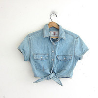 vintage cropped Levi's jean shirt. cotton belly shirt. tie front top. cropped pocket t shirt.