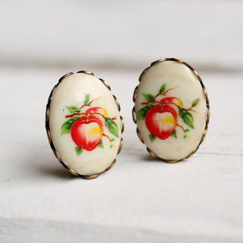 Peach Earrings ... Vintage Fifties Kitsch Fruit American Orchard Harvest Apricot