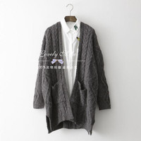 Exclusive large size cardigan sweater Korean twist