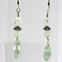 Swarovski Crystal Briolette Drop Earrings Light Green Crysolite