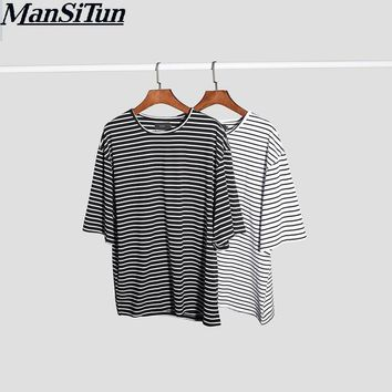 Man si Tun 2017 Street Wear Hipster Fashion T Shirts Mens Designer Clothes Justin Bieber Kpop Clothing Striped Oversized T Shirt