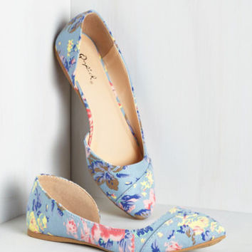 Tip Tap Toe Flat in Floral