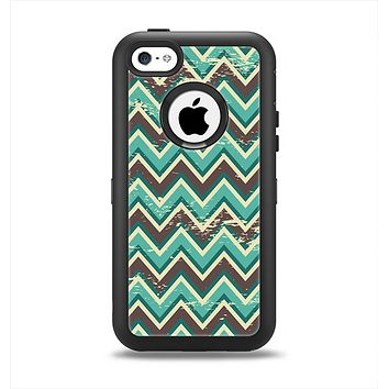 The Vintage Green & Tan Chevron Pattern V4 Apple iPhone 5c Otterbox Defender Case Skin Set