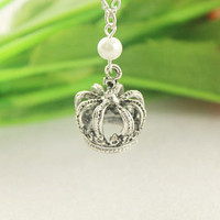 hollow out crown necklace--pearl pendant ,antique silver necklace,alloy chain
