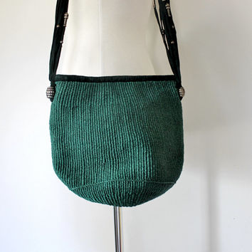 Vintage Raffia Handbag / Green Straw and Suede Shoulder Bag / 70s Market Tote / Small / 70s Fashion